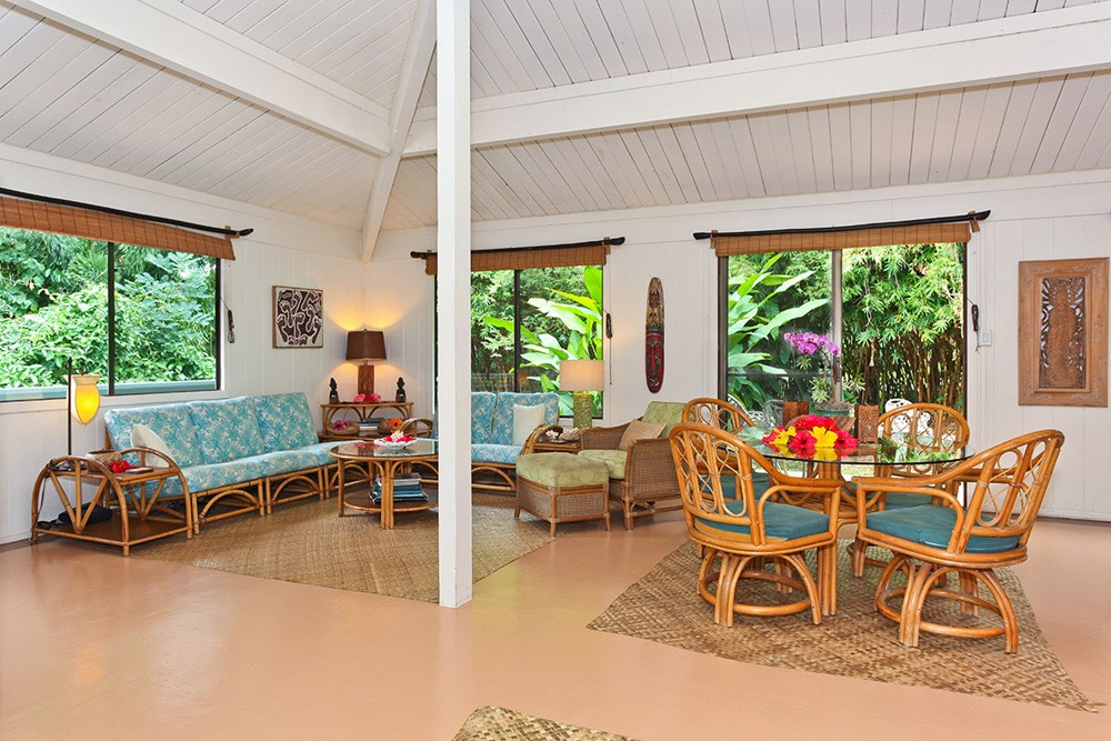 Hale Manu Living Room 1